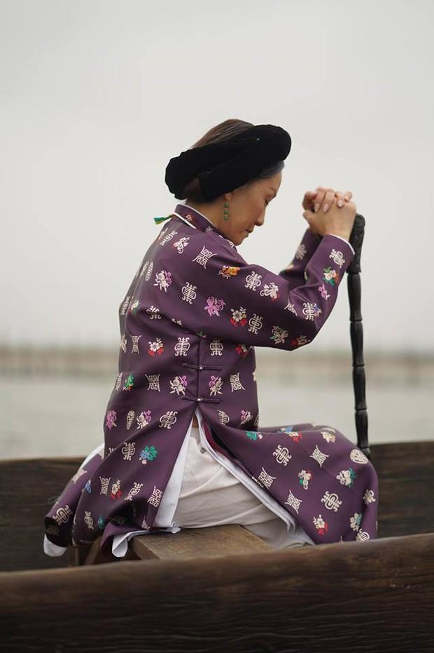 Thánh ăn hại Jun Phạm thần thái bất ngờ, sánh đôi hoàng hậu Diễm My 9x trên thảm đỏ phim cung đấu Việt Nam Phượng Khấu - Ảnh 12.