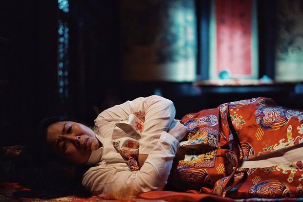 Thánh ăn hại Jun Phạm thần thái bất ngờ, sánh đôi hoàng hậu Diễm My 9x trên thảm đỏ phim cung đấu Việt Nam Phượng Khấu - Ảnh 15.