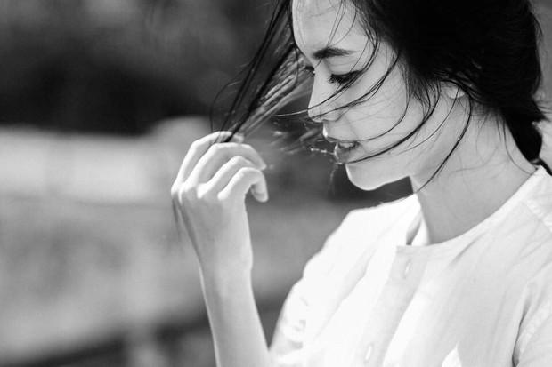 Danh tính gái xinh trong bức ảnh chụp vội được các fanpage đăng đi đăng lại suốt 3 năm và còn trở thành hình nền điện thoại của người lạ - Ảnh 5.