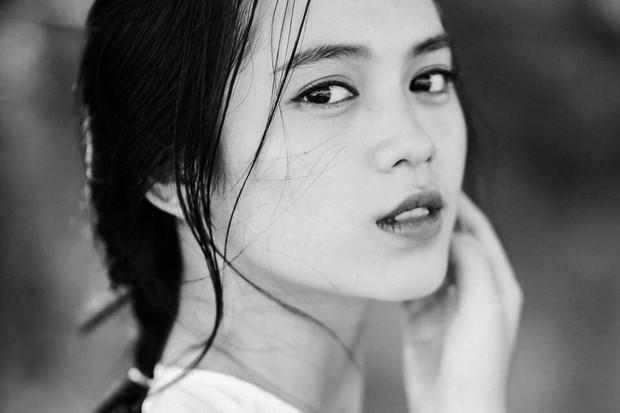 Danh tính gái xinh trong bức ảnh chụp vội được các fanpage đăng đi đăng lại suốt 3 năm và còn trở thành hình nền điện thoại của người lạ - Ảnh 4.