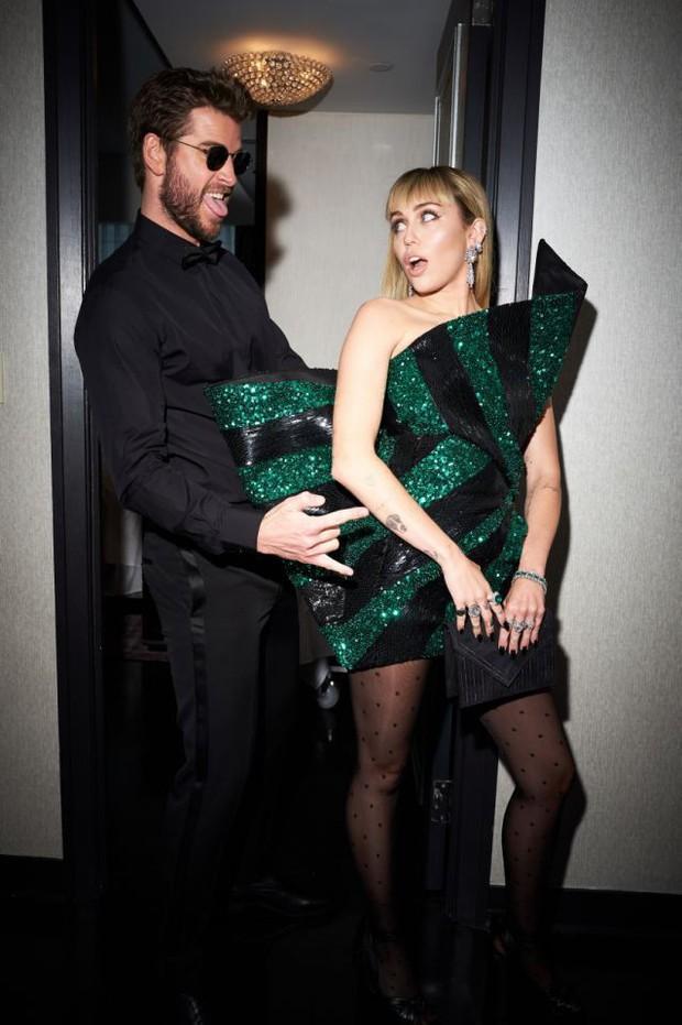 Miley Cyrus: Nàng công chúa Disney chinh phục cả thế giới và chàng hoàng tử đời mình bằng cái điên bản năng - Ảnh 14.