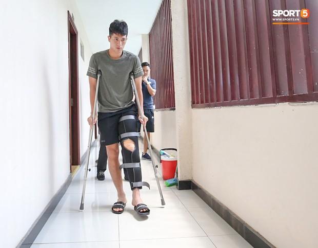 Đình Trọng bị trách hồi phục sai cách, quá vội vàng ra sân rồi phải nghỉ thêm 3 tháng - Ảnh 2.