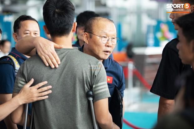 Nỗi đau của Đình Trọng: Cái giá từ sự mạo hiểm của HLV Park Hang-seo và tiếng nói yếu ớt nơi CLB - Ảnh 4.