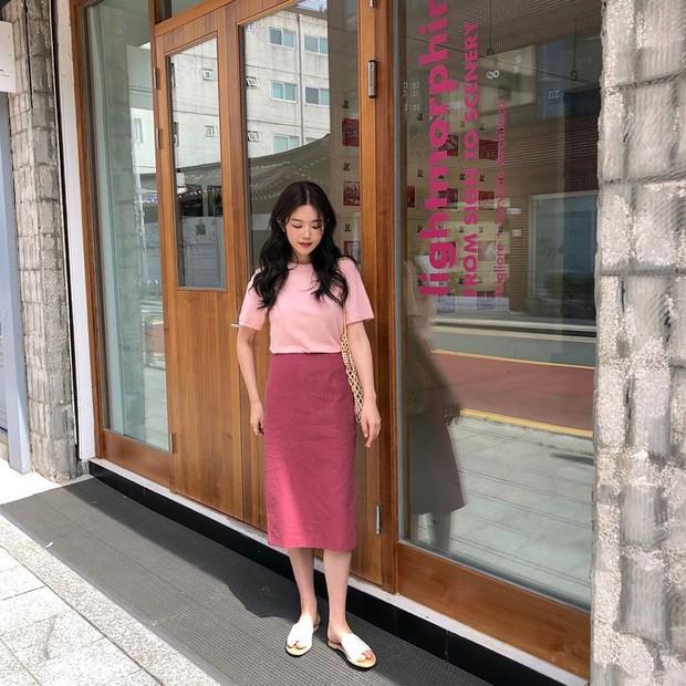Street style các hot girl bán hàng Hàn Quốc tuần qua: 10 cách lên đồ không chụp OOTD hơi phí cho cuối tuần lẫn du lịch nghỉ dưỡng - Ảnh 3.