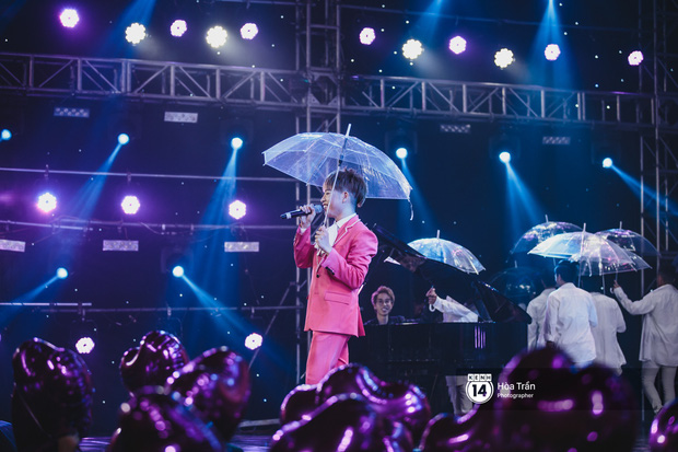 KARD và Ha Sung Woon khiến fan bấn loạn, Chi Pu và Hương Giang đẹp phát hờn bên dàn nghệ sĩ tại show Hàn-Việt - Ảnh 16.