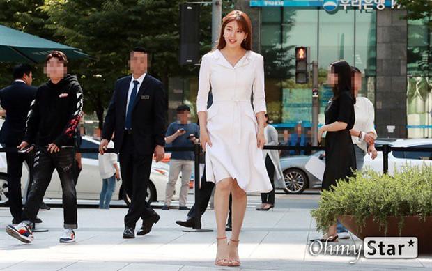 Sau loạt ảnh lung linh đến mức câm nín này, có lẽ Suzy đã đạt đến đẳng cấp nữ thần đẹp nhất Kpop - Ảnh 3.