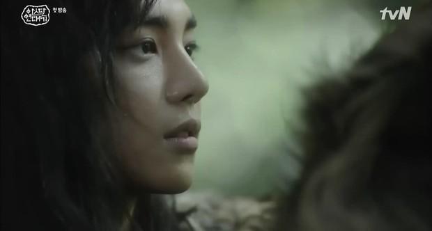 Chàng trai cực phẩm làm lu mờ cả Song Joong Ki trong tập mở màn Arthdal Chronicles là ai? - Ảnh 5.