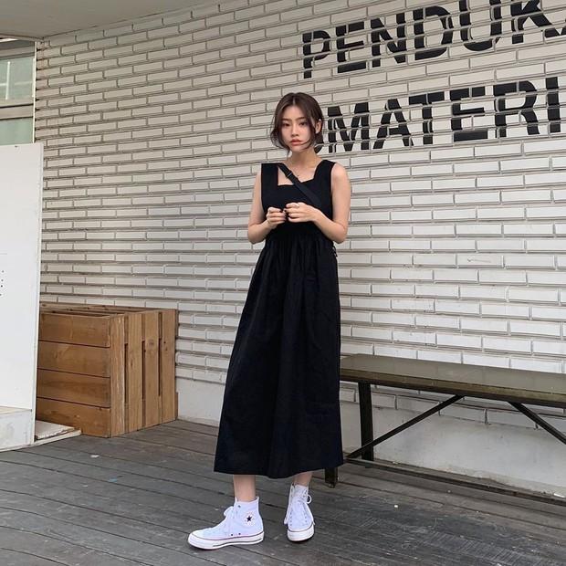 Street style các hot girl bán hàng Hàn Quốc tuần qua: 10 cách lên đồ không chụp OOTD hơi phí cho cuối tuần lẫn du lịch nghỉ dưỡng - Ảnh 4.