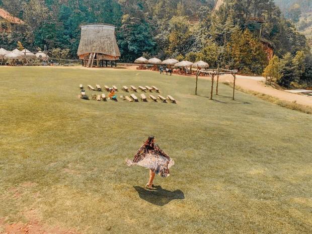 Gia đình và hội bạn thân Phương Mỹ Chi chụp ảnh tone-sur-tone cực xinh ở ngôi làng ẩn mình giữa lòng Đà Lạt: Chịu chơi vậy rồi ai chơi lại? - Ảnh 19.