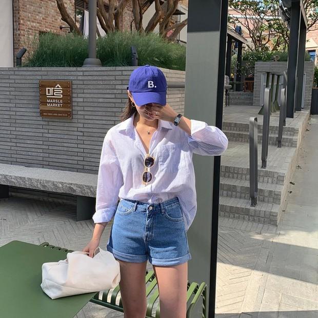 Street style các hot girl bán hàng Hàn Quốc tuần qua: 10 cách lên đồ không chụp OOTD hơi phí cho cuối tuần lẫn du lịch nghỉ dưỡng - Ảnh 2.