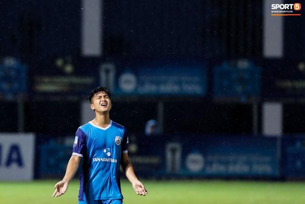 Tuyển thủ U23 và các đồng đội tái hiện màn cào tuyết đầy cảm xúc tại Thường Châu - Ảnh 5.