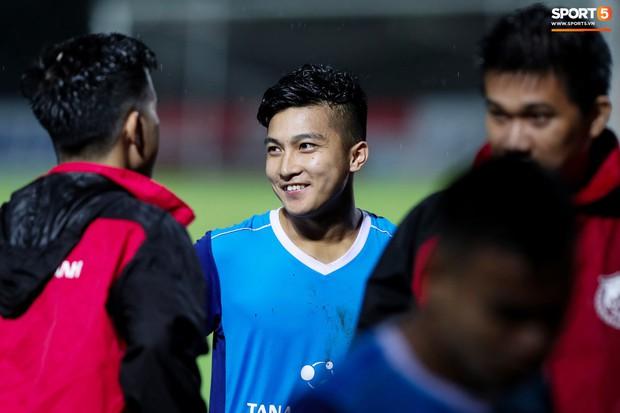 Tuyển thủ U23 và các đồng đội tái hiện màn cào tuyết đầy cảm xúc tại Thường Châu - Ảnh 7.