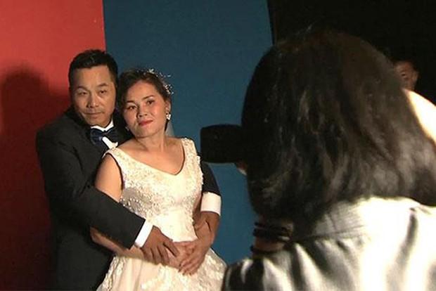 Câu chuyện cảm động đằng sau ảnh cưới của lao động nhập cư nghèo Trung Quốc - Ảnh 1.