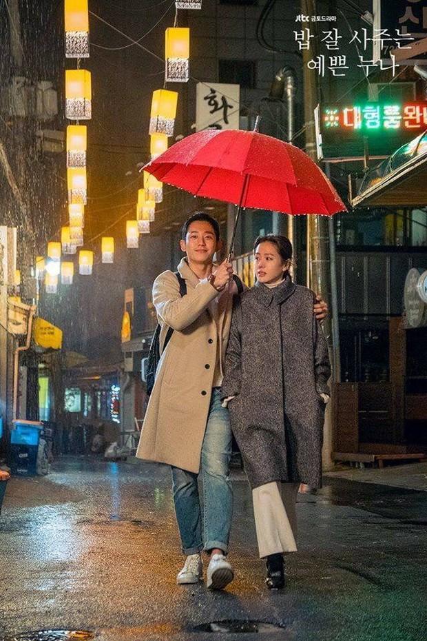 Jung Hae In từ Chị Đẹp đến Đêm Xuân: Chàng phi công trẻ đáng trân trọng hay kẻ thứ ba phá hoại tình yêu? - Ảnh 3.