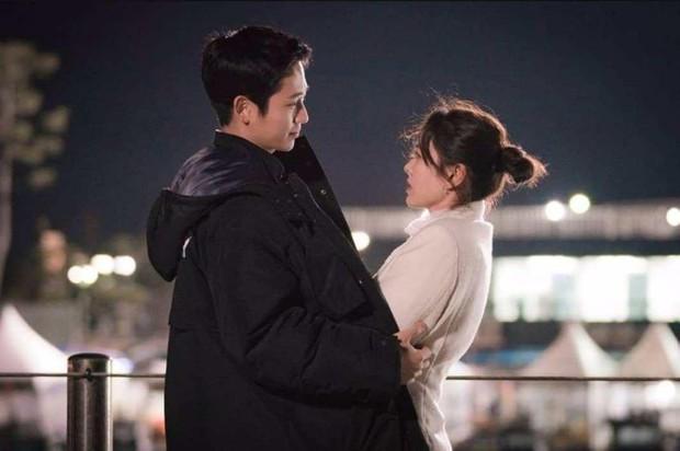 Jung Hae In từ Chị Đẹp đến Đêm Xuân: Chàng phi công trẻ đáng trân trọng hay kẻ thứ ba phá hoại tình yêu? - Ảnh 7.
