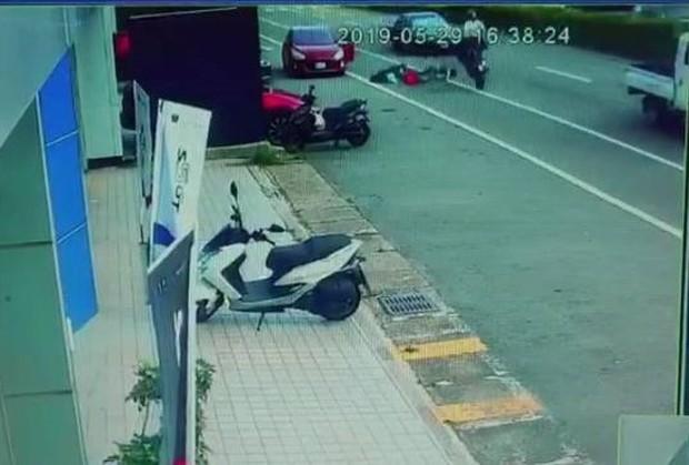 Nam thanh niên người Việt ở Đài Loan tử vong khi tham gia giao thông vì sự bất cẩn nhiều tài xế ô tô mắc phải - Ảnh 4.