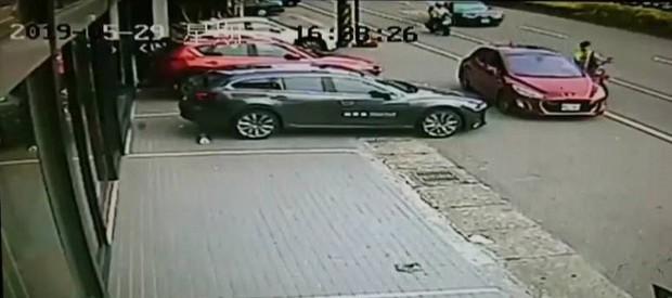 Nam thanh niên người Việt ở Đài Loan tử vong khi tham gia giao thông vì sự bất cẩn nhiều tài xế ô tô mắc phải - Ảnh 5.