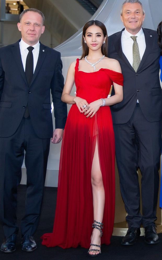 """""""Mỹ nhân đẹp nhất Thái Lan"""" Chompoo Araya ngọt ngào như công chúa, đối lập Thái Y Lâm sexy hết nấc khi diện chung váy - Ảnh 5."""