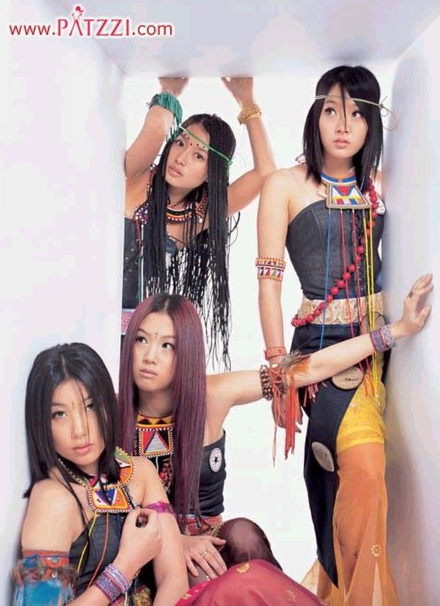 """Ngắm lại kiểu tóc của 10 idol Hàn """"hot hit"""" thập niên 90, netizen mới thở phào: May mà thời đó đã qua - Ảnh 8."""