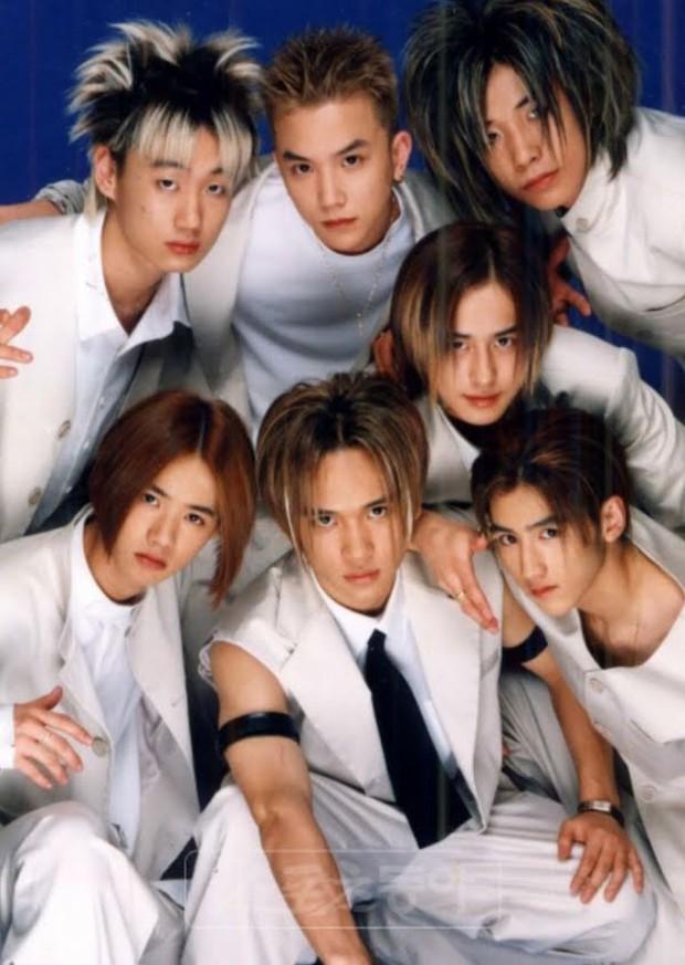 """Ngắm lại kiểu tóc của 10 idol Hàn """"hot hit"""" thập niên 90, netizen mới thở phào: May mà thời đó đã qua - Ảnh 4."""