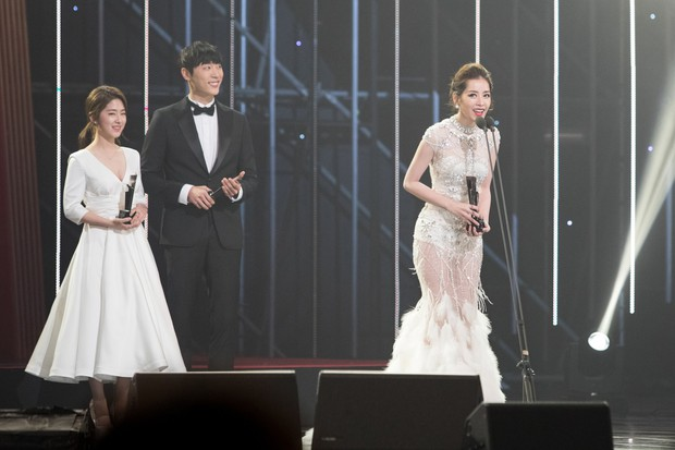 Choáng với quy mô 3 mùa Asia Artist Awards: Bê cả Kbiz lên thảm đỏ, tập hợp khoảnh khắc đắt giá nhưng vẫn tồn tại 1 vấn đề - Ảnh 31.