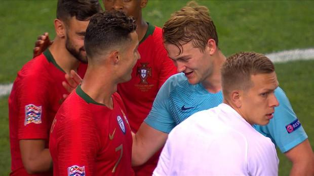 Vừa giành chức vô địch Nations League, Ronaldo hóa thân làm siêu cò, chèo kéo cầu thủ đẹp trai nhất tuyển Hà Lan - Ảnh 3.