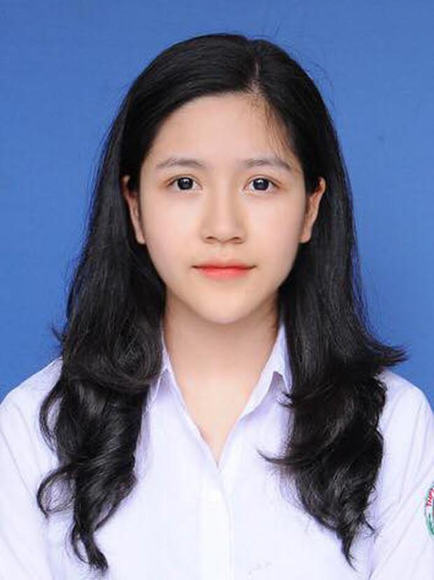 Nữ sinh Lào Cai từng gây thương nhớ với bức ảnh mặc áo dài trong trẻo như thiên thần được tuyển thẳng vào Đại học - Ảnh 2.