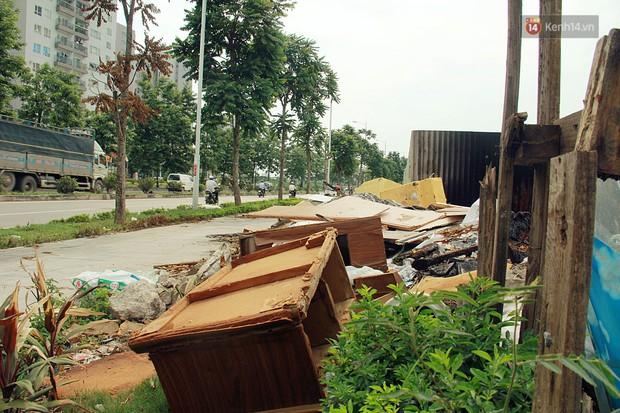 Chùm ảnh: Vừa hoạt động 3 tháng, con đường mang tên nhà tư sản Trịnh Văn Bô đã ngập ngụa rác thải - Ảnh 3.