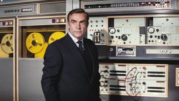 5 món hàng hiếm của điệp viên James Bond mà ai cũng muốn sở hữu: Ước gì có món số 1 để đỡ phải đi shopping! - Ảnh 13.