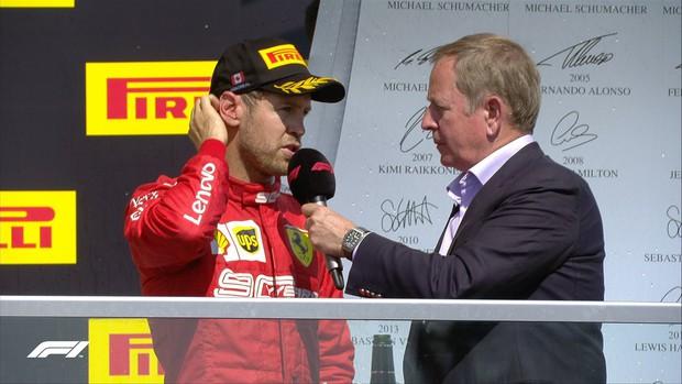Drama cực mạnh trên đường đua F1: Cựu vô địch thế giới tự ý thay đổi vị trí xe về đích, đứng luôn lên bục podium cùng tay đua thắng cuộc - Ảnh 10.