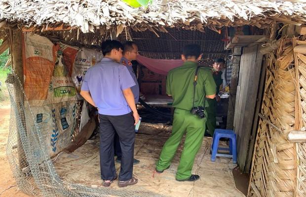 Nghệ An: Nghi án cha 80 tuổi chém con trai tử vong - Ảnh 1.