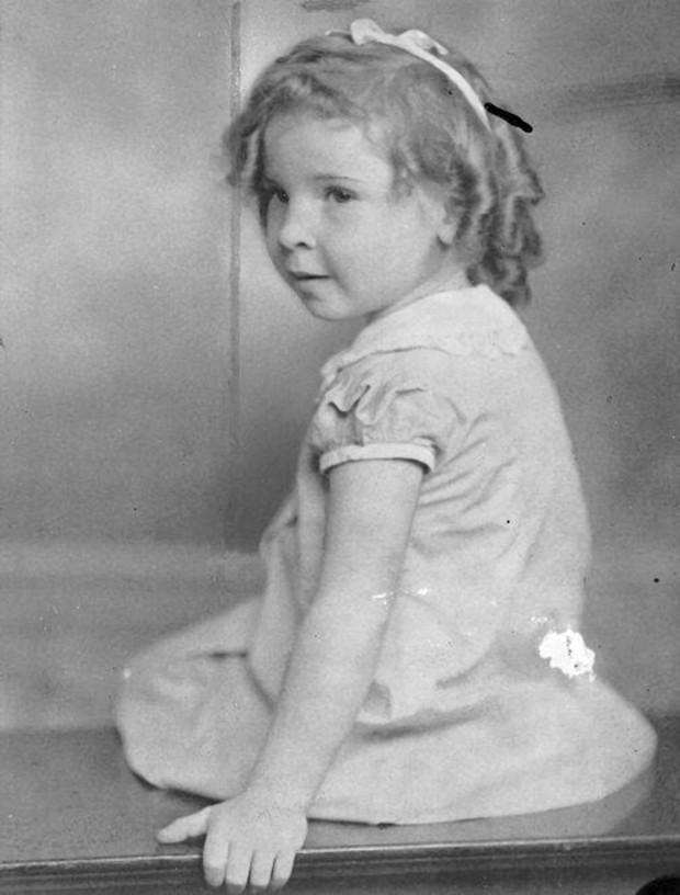 Vụ mất tích quái đản nhất lịch sử Mỹ: Bé gái biến mất trong nháy mắt, cả nghìn người lùng sục khắp nước Mỹ nhưng 80 năm vẫn không rõ sống chết - Ảnh 2.