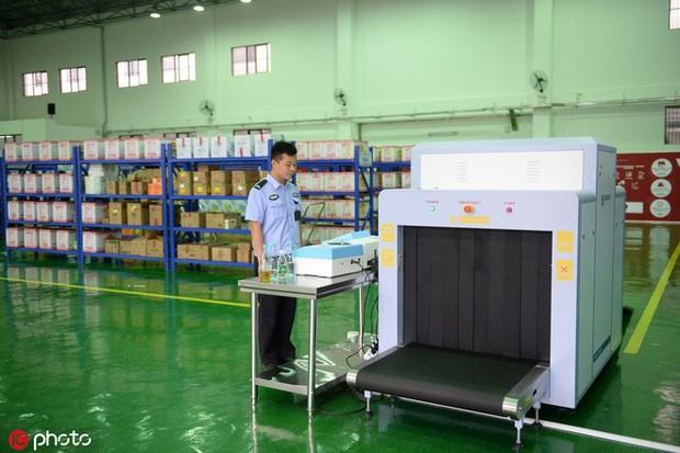 Tù nhân Trung Quốc được dùng cả máy mua sắm online, order liền tay 100.000 đồ/tháng - Ảnh 4.