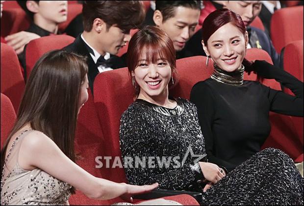 Choáng với quy mô 3 mùa Asia Artist Awards: Bê cả Kbiz lên thảm đỏ, tập hợp khoảnh khắc đắt giá nhưng vẫn tồn tại 1 vấn đề - Ảnh 27.