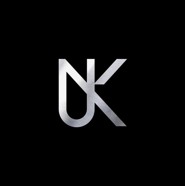 """Trận chiến solo khốc liệt nhất Kpop là đây chứ đâu: không """"center quốc dân"""" cũng là thành viên nhóm nhạc hàng đầu gen 3 - Ảnh 1."""