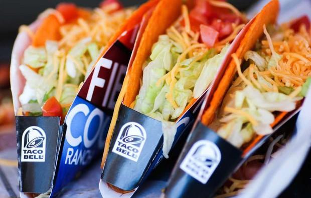 Cửa hàng thức ăn nhanh cung cấp dịch vụ hôn lễ nhanh trọn gói chỉ với hơn 10 triệu đồng - Ảnh 1.
