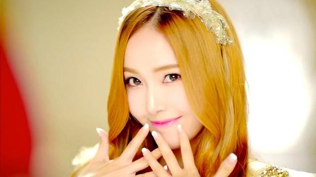 10 album bán chạy nhất tuần đầu của nữ nghệ sĩ solo: Tỉ muội nhóm gen 2 chiếm top, YG và JYP bít cửa - Ảnh 2.