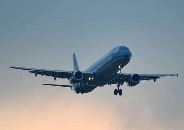 Em bé 2 tuổi hôn mê, máy bay Vietnam Airlines hạ cánh khẩn cấp sau 15 phút bay - Ảnh 1.