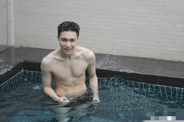 Ai mà ngờ thành viên EXO mặt học sinh này lại sở hữu body phụ huynh xịt máu mũi nhường này - Ảnh 6.