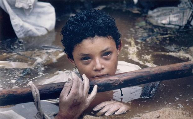 Omayra Sanchez và đôi mắt đen vô vọng - Biểu tượng của thảm hoạ tự nhiên khủng khiếp nhất lịch sử loài người - Ảnh 9.