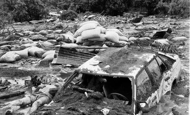 Omayra Sanchez và đôi mắt đen vô vọng - Biểu tượng của thảm hoạ tự nhiên khủng khiếp nhất lịch sử loài người - Ảnh 3.