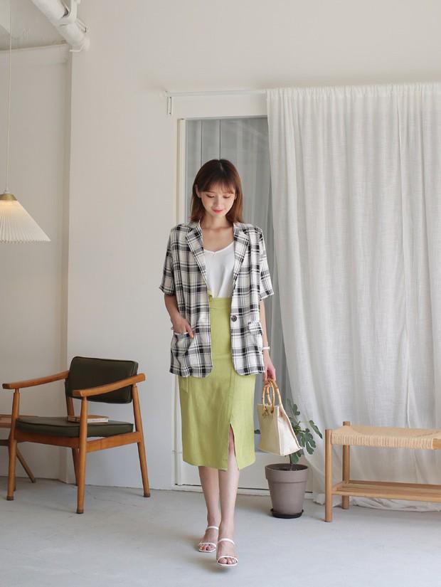 Ít ai biết rằng: Chân váy cũng có thể kéo chân dài miên man nếu bạn chọn 4 kiểu dáng này - Ảnh 12.