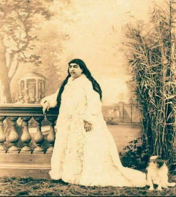 Choáng với nhan sắc nghiêng nước nghiêng thành của 2 cô công chúa con vua Ba Tư thế kỷ 19 - Ảnh 5.