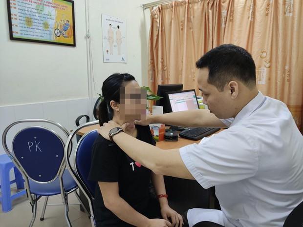 Tự chữa bệnh về tuyến giáp bằng phương pháp thầy lang, cô gái Hải Phòng bị nhiễm trùng nghiêm trọng vùng cổ - Ảnh 3.