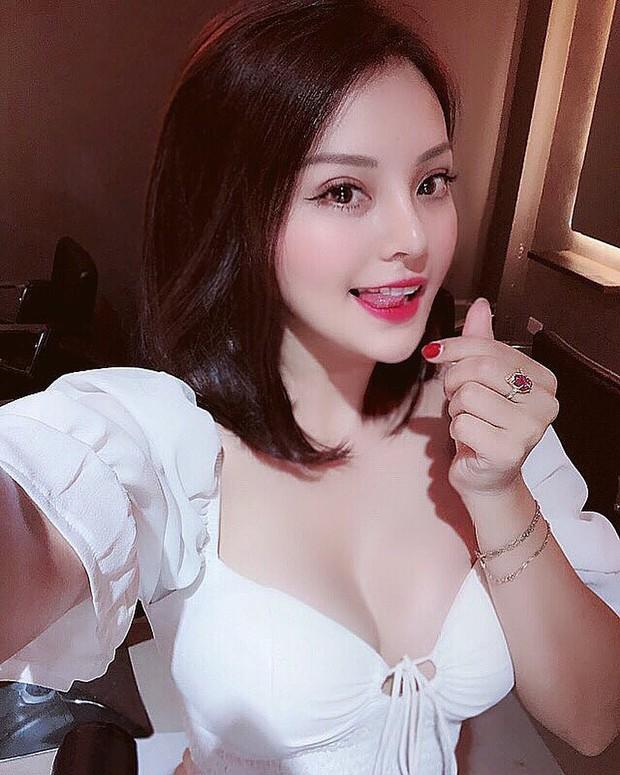 """Tập đoàn gái xinh """"vo ve"""" quanh Vũ (Về nhà đi con): Xinh đẹp, sexy nhưng đều dính thị phi, có người chưa lên sóng đã bị """"bóc phốt"""" - Ảnh 6."""