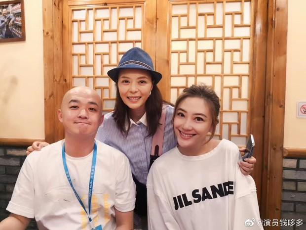 Buổi khai trương quán lẩu tại Bắc Kinh bất ngờ hot nhờ dàn sao hạng A Triệu Vy, Đồng Lệ Á tới chúc mừng - Ảnh 7.
