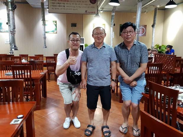 HLV Park Hang-seo gặp vấn đề về sức khỏe, phải đi khám gấp khi về tới Việt Nam - Ảnh 2.