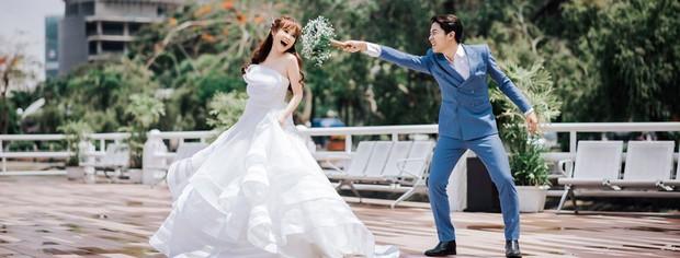Trước thềm đám cưới siêu to khổng lồ của hot Youtuber Cris Phan - Mai Quỳnh Anh, fan lục lại khoảnh khắc lầy lội siêu cấp của cặp đôi - Ảnh 7.