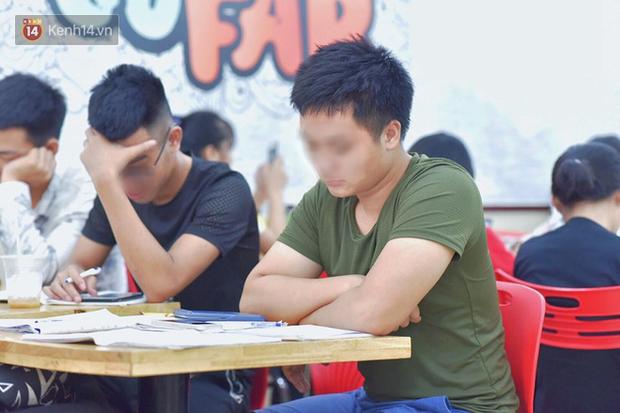 Hình ảnh xấu xí của sinh viên tại các cửa hàng tiện lợi mùa nóng: Chen chúc nhau ngồi lỳ từ sáng đến khuya, xả rất nhiều rác thải nhựa - Ảnh 8.
