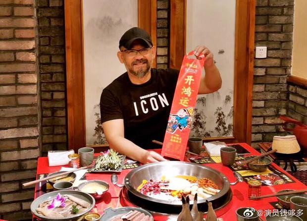 Buổi khai trương quán lẩu tại Bắc Kinh bất ngờ hot nhờ dàn sao hạng A Triệu Vy, Đồng Lệ Á tới chúc mừng - Ảnh 8.